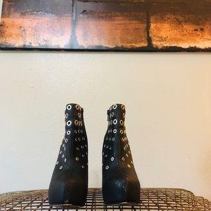 NINE WEST Black Rocker Grommet Ankle Boots sz 7